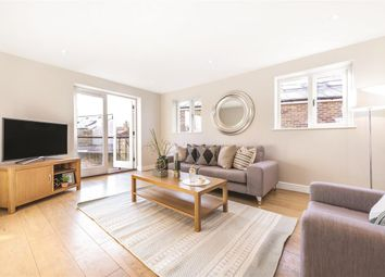 3 bed mews house for sale in St Thomas Mews, London SW18