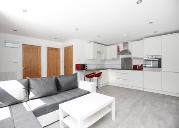 Thumbnail 2 bed flat to rent in Stratford Road, Heaton
