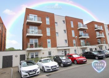 2 bed flat for sale in Alcock Crescent, Crayford DA1