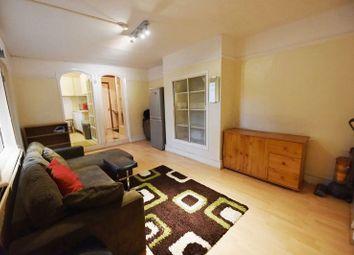 Mayflower Road, Clapham North, London SW9. 2 bed flat