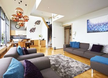 Thumbnail 2 bed flat for sale in Leathermarket Street, London