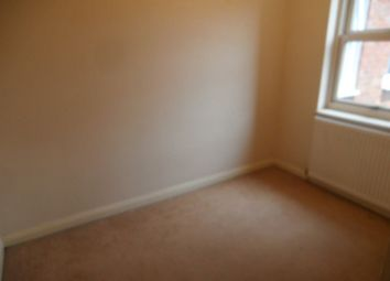 Thumbnail 3 bed flat to rent in Ashburnham Road, Bedford