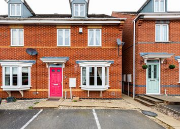 Thumbnail 3 bed town house for sale in Queen Victoria Road, Swadlincote