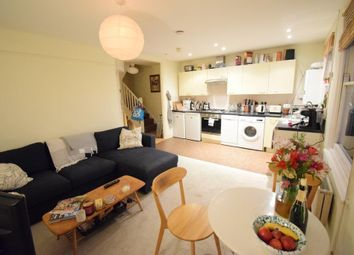 2 bed maisonette to rent in Ramsden Road, Balham, London SW12