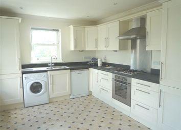 Thumbnail 2 bedroom flat to rent in Morgan Road, Reading, Berkshire