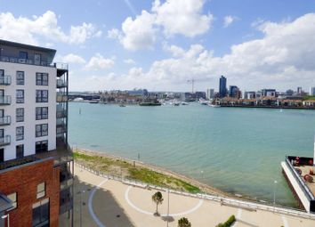 Thumbnail 3 bedroom flat for sale in Centenary Plaza, Southampton