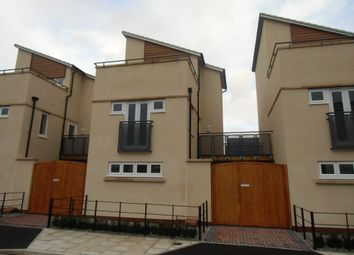 Thumbnail 3 bed town house to rent in Darnall Road, Leicester