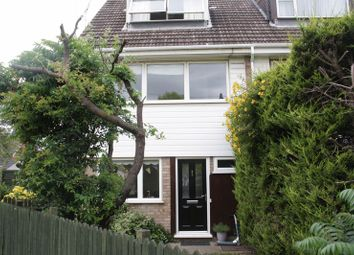 Thumbnail 4 bed property to rent in Headley Road East, Woodley, Reading