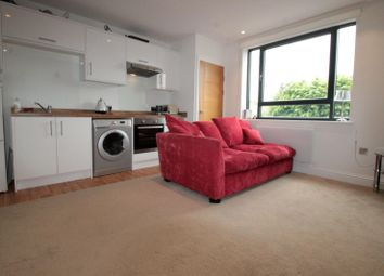Thumbnail 2 bedroom flat to rent in North Street, Carshalton