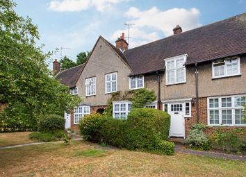 Thumbnail 2 bed cottage for sale in Midholm, London