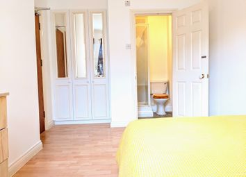 Thumbnail Room to rent in William Court, London