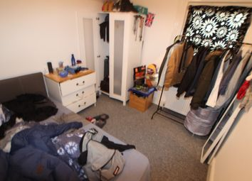 Thumbnail 1 bedroom flat to rent in Room 1 Curzon Street, Reading