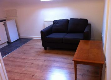 Thumbnail 1 bedroom flat to rent in 15-16 Crescent Road, Luton