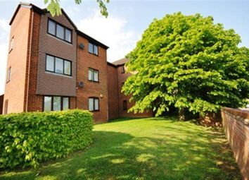 Thumbnail 2 bedroom flat to rent in Haysman Close, Letchworth Garden City