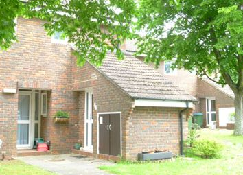Thumbnail 1 bed flat to rent in Cook Road, Horsham
