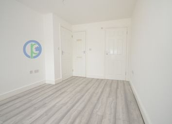 2 bed maisonette to rent in Westwood Road, Seven Kings, Ilford IG3