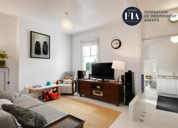 2 bed maisonette to rent in Green Lane, London W7