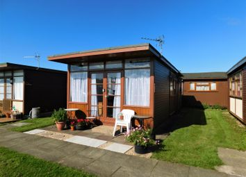Thumbnail 2 bedroom mobile/park home for sale in Mablethorpe Chalet Park, Links Avenue, Mablethorpe