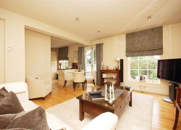 Thumbnail 2 bed flat to rent in Thames Street, Hampton