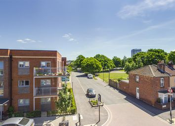 2 bed flat for sale in Summers Street, Southampton SO14