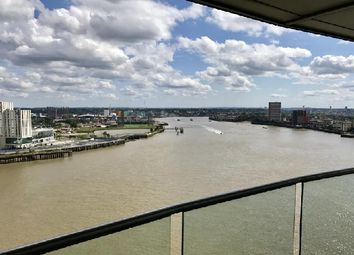 Thumbnail 3 bed flat to rent in New Providence Wharf, 1 Fairmount Avenue, Blackwall Way, Canary Wharf, London