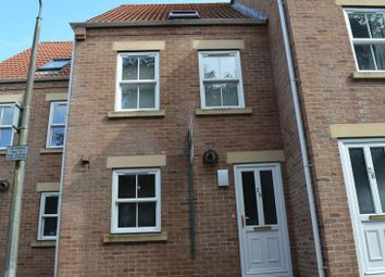 Thumbnail 3 bedroom terraced house to rent in Queen Street, Winterton, Scunthorpe
