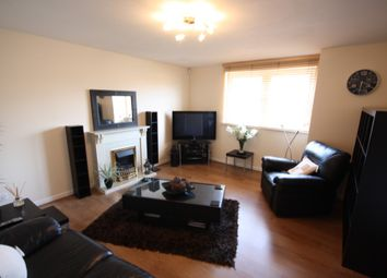2 bed flat to rent in Charles Street, Aberdeen AB25
