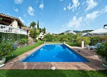 Thumbnail 4 bed villa for sale in Calle Almendros, Marbella, Málaga, Spain