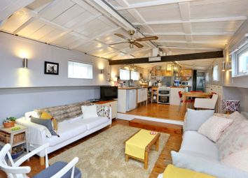 Thumbnail 3 bedroom houseboat for sale in Temple Boatyard, Rochester