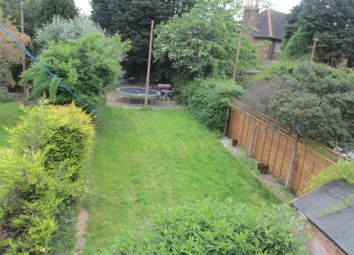 Thumbnail 3 bedroom flat to rent in North Countess Road, London