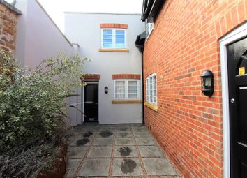 Thumbnail 1 bed flat to rent in Horsefair, Banbury, Oxfordshire