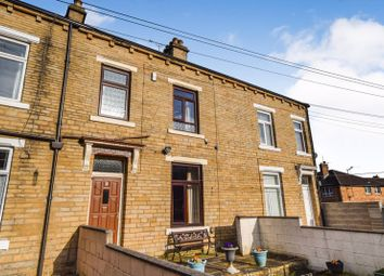 3 bed terraced house to rent in Alva Terrace, Shipley BD18