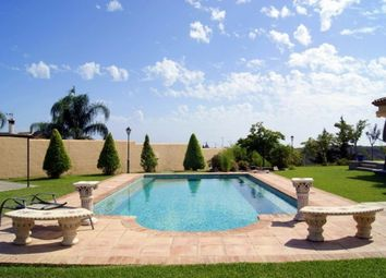 Thumbnail 3 bed villa for sale in Spain, Andalucia, Estepona, Ww1127A