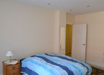 Thumbnail 2 bed shared accommodation to rent in Market Street, Maidenhead