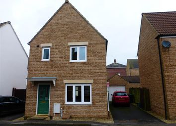Thumbnail 3 bed property to rent in Chaffinch Chase, Gillingham