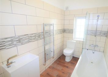 Thumbnail 4 bed flat to rent in Barclay Road, London