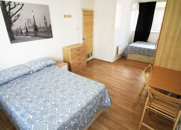 Room to rent in Chilton Grove, London SE8