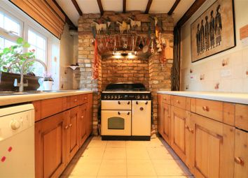 Thumbnail 4 bed detached house for sale in Horns Oak Road, Meopham, Gravesend
