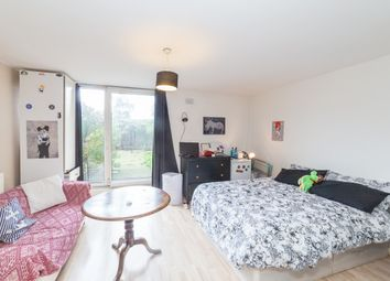 Thumbnail 1 bed flat to rent in Pownall Road, London