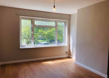 Thumbnail 1 bed flat to rent in Meadgate Avenue, Great Baddow, Chelmsford