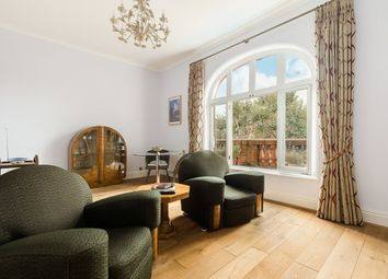 Thumbnail 3 bed flat to rent in Sloane Gardens, Chelsea