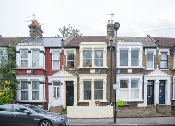 Thumbnail 2 bed flat to rent in Glyn Road, Hackney