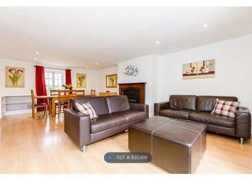 2 bed flat to rent in Eldon Square, Reading RG1