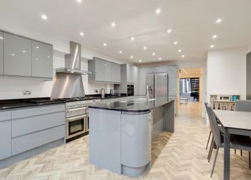 Thumbnail 3 bedroom town house for sale in Mile End Road, London