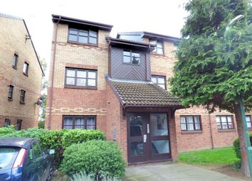 Thumbnail 2 bed flat to rent in Kenwyn Road, Dartford, Kent