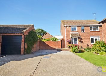 4 bed detached house for sale in Fieldway, Pitsea Mount, Basildon SS13