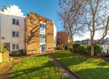 Thumbnail 2 bed flat for sale in Willow Hall, Hampstead