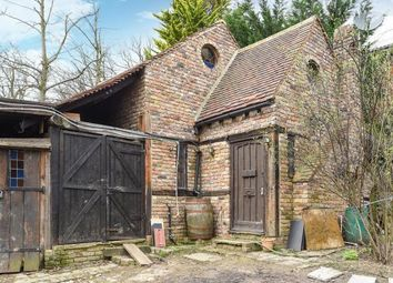 Thumbnail 1 bed flat to rent in Pinner HA5,