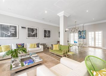 Thumbnail 6 bed maisonette for sale in Queen Ann's Gate, St James's Park, London