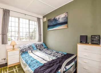 Thumbnail 2 bedroom flat for sale in Parsonage Close, Hayes